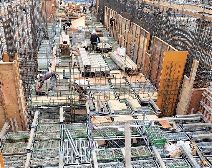 くさび緊結式足場で施工する型枠支保工